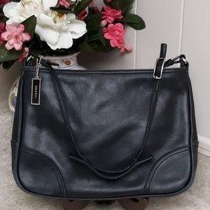 Classic VTG Black Coach Leather Shoulder Bag